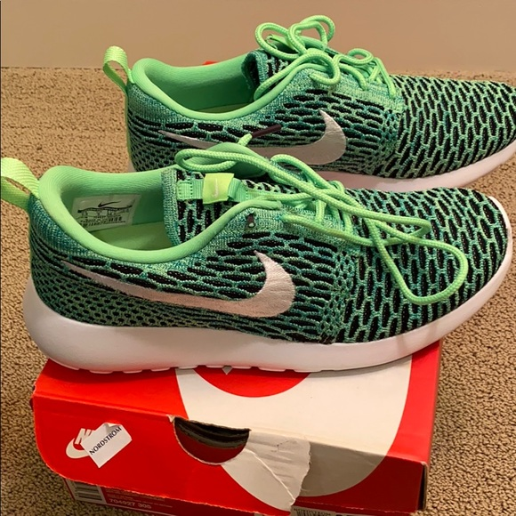 Nike Shoes - Nike Roshe One Flyknit 7.5 in Voltage Green/White